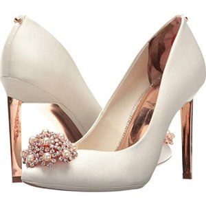 Ivory Rose Gold Satin Peetch 2 Pumps 10 US